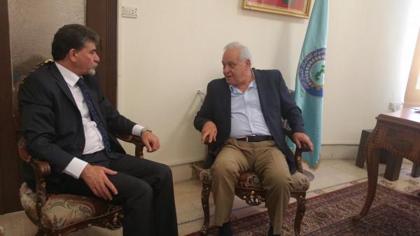 السفير عبد الهادي يلتقي الأمين العام للاتحاد الدولي لنقابات العمال العرب