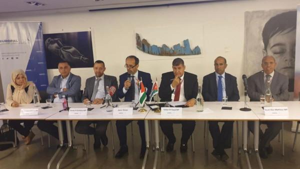 """قيادات من الجالية الفلسطينية والجاليات العربية تلتقي الوفد البرلماني الأردني """"لجنة فلسطين"""""""