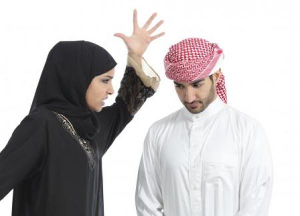 """سعودية وصفت طليقها بـ""""التيس"""".. فنالت جزاءها بالقانون"""