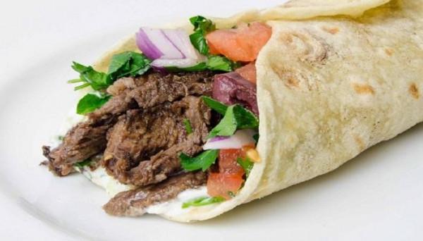 لحمة أو دجاج.. حضري الشاورما السوري مثل المطاعم تماماً