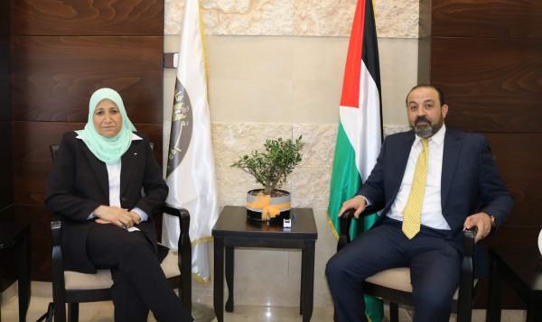 النائب العام يبحث آليات التعاون مع وزيرة شؤون المرأة