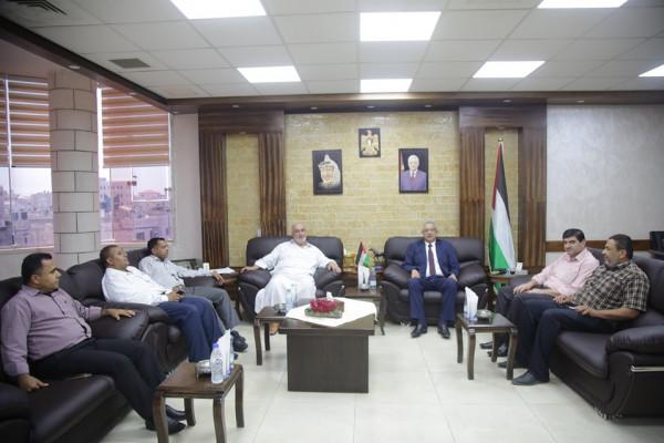 المحافظ أبو بكر يستقبل المدير الجديد لمديرية أوقاف طولكرم
