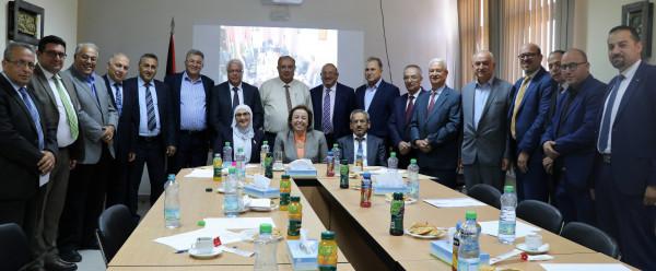 أبو مويس يبحث خطط تطوير قطاع التعليم العالي مع رؤساء الجامعات