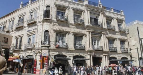 """تطور جديد: نقل ملكية فندقي البطريركية الأرثوذكسية بالقدس """"صفقة رشوة"""""""