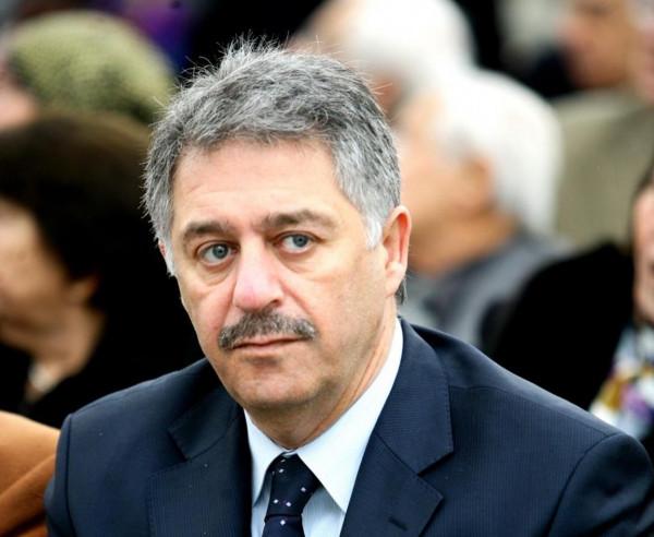 السفير دبور يبحث الإجراءات الأخيرة التي اتخذتها وزارة العمل في لبنان