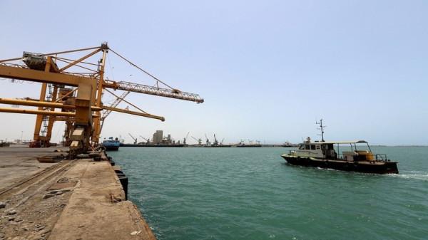 الحكومة اليمنية تُحذر من كارثة في البحر الأحمر وخليج عدن