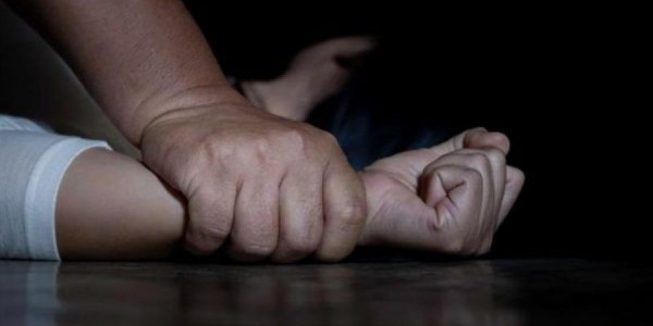 مصر: مراهقة تقتل سائقًا حاول اغتصابها في الصحراء