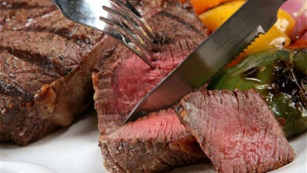 اللحوم الحمراء..7 أخطاء ابتعد عنها عند الشوي