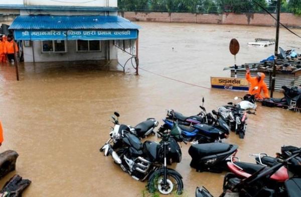 فيضانات نيبال والهند تقتل العشرات