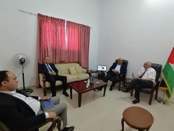 حميد يستمع لشكاوي المواطنين ويعقد لقاءً مع مدراء المؤسسات