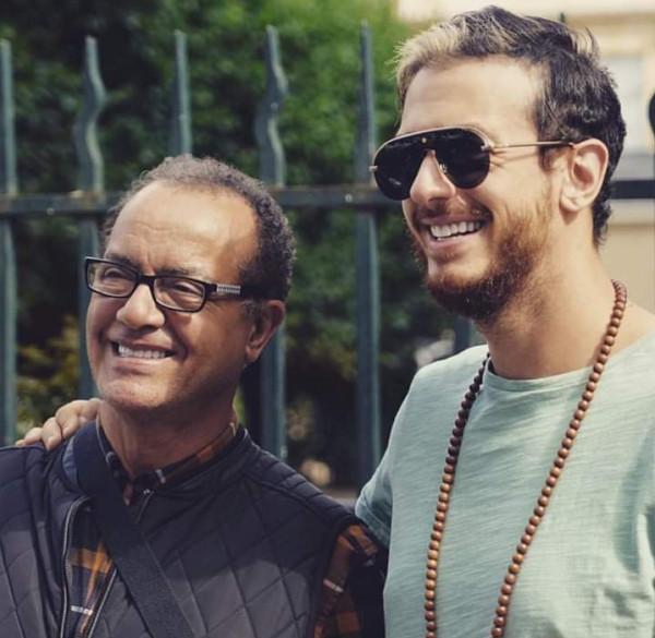 والد سعد لمجرد وخريج فنان العرب يلتقيان في حفل ختام الإكليل الثقافي