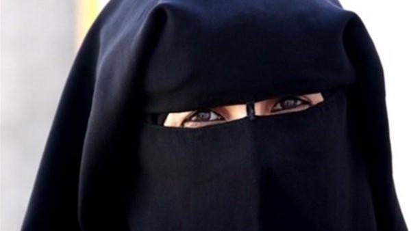 مفتي مصر: من ترتدي النقاب عليها إطعام 60 مسكينا في هذه الحالة