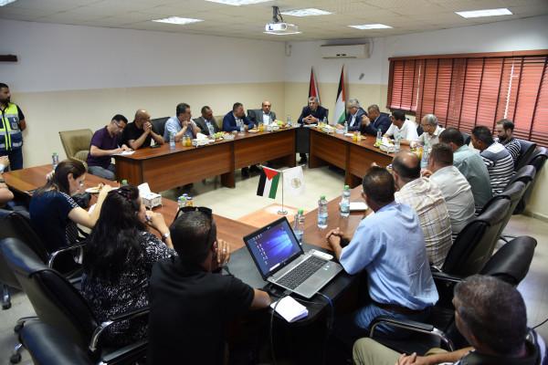 رئيس بلدية دورا يستقبل رئيس سلطة المياه الفلسطينية لبحث احتياجات المدينة