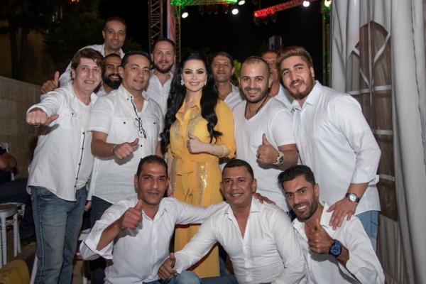 سوبر ستار العرب ديانا كرزون تحشد اكبر حضور جماهيري بتاريخ صيف عمان