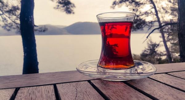 وزارة عربية تمنع المشروبات الساخنة بمكاتبها