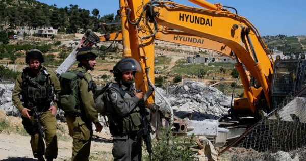 الاحتلال يهدم مُنشأة زراعية في بلدة السموع جنوب الخليل
