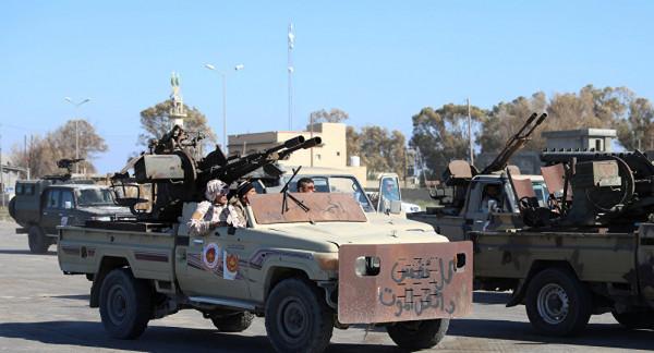 الجيش الليبي يُعلن انسحاب قوات حكومة الوفاق من محاور القتال بجنوب طرابلس