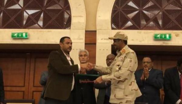 الأطراف السودانية تُوقع على الاتفاق السياسي للمرحلة الانتقالية