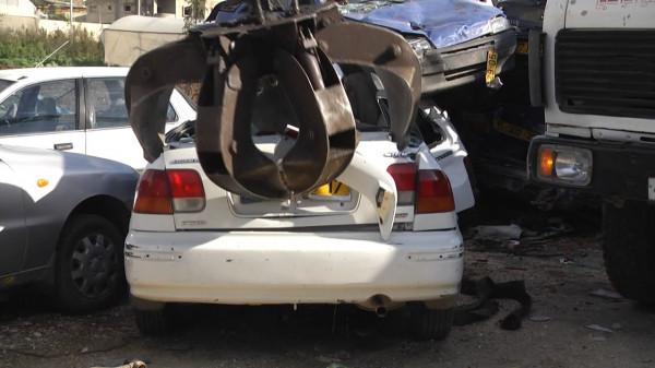الشرطة تُتلف 70 مركبة غير قانونية في الخليل