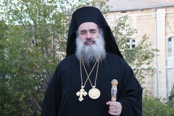 المطران حنا: نطالب الكنيسة الروسية القيام بدورها في إفشال صفقة باب الخليل