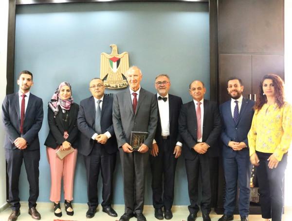 الوزير أبو سيف يبحث مع مدير عام الوايبو حقوق الملكية الفكرية