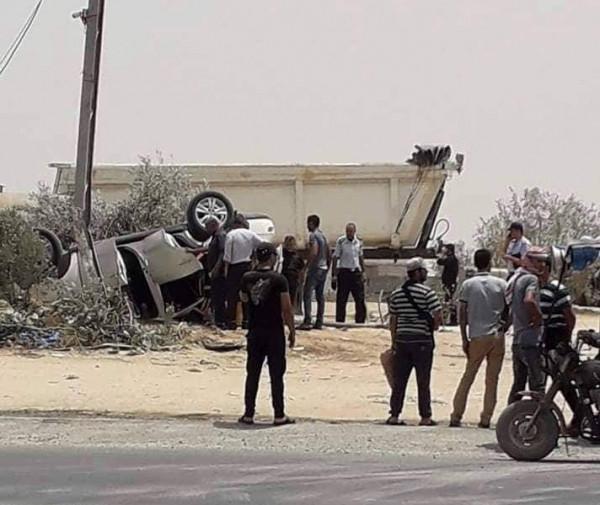 إصابة أربعة مواطنين بانقلاب جيب بخانيونس