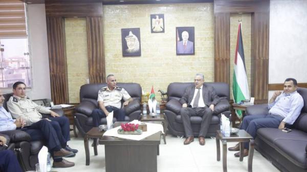 المحافظ أبو بكر يستقبل المدير الجديد لمديرية الضابطة الجمركية بطولكرم