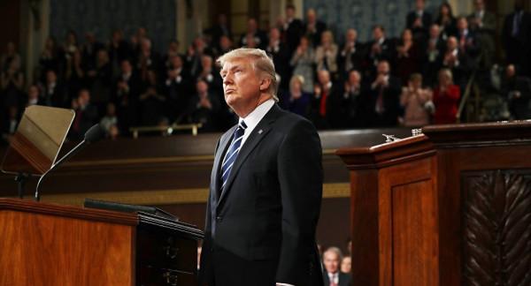 هل وافق النواب الأمريكي على مناقشة عزل ترامب؟