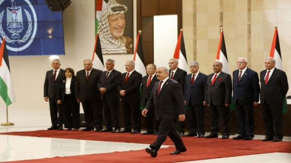 الرئاسة الفلسطينية تَضع شرطاً لذهاب حكومة اشتية لقطاع غزة