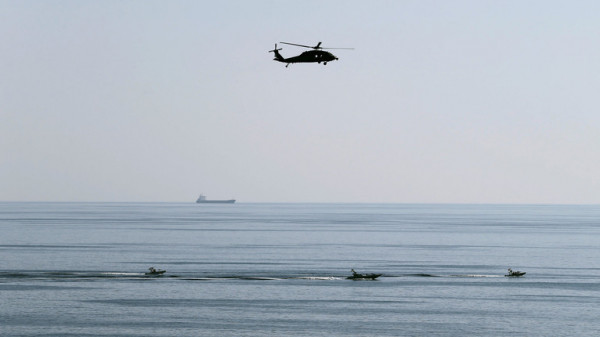 الحرس الثوري يُوقف ناقلة نفط تحمل مليون لتر وقود مهرب بالخليج