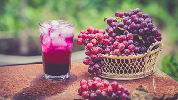 طريقة عمل عصير العنب