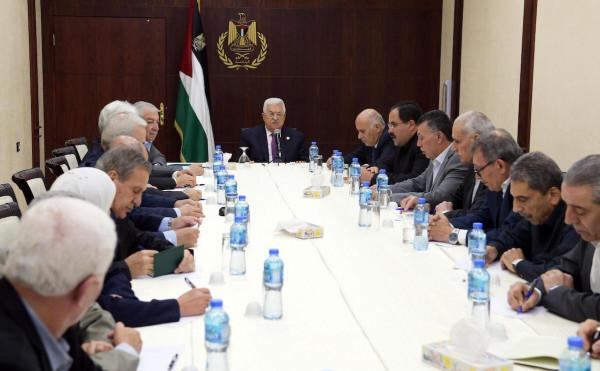 """قيادية بـ""""فتح"""" تعلّق على قرار الرئيس عباس حول سن تقاعد القضاة"""