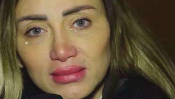 """""""يهدد حياتها وأزالت أنفها"""".. حكاية ريهام سعيد و""""مثلث الموت"""""""
