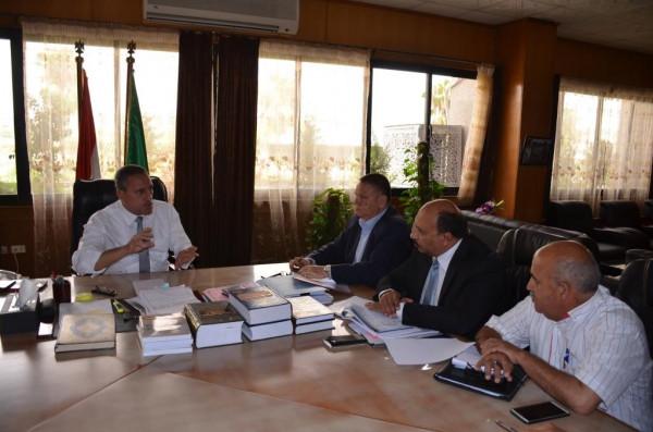 محافظ الاسماعيلية يوجه بالانتهاء من تنفيذ مشروع الصرف الصحى الكبير بأبو صوير