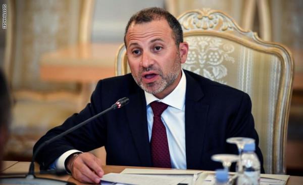 شاهد: وزير لبناني ينسحب من مؤتمر أمريكي بعد بدء كلمة نظيره الإسرائيلي
