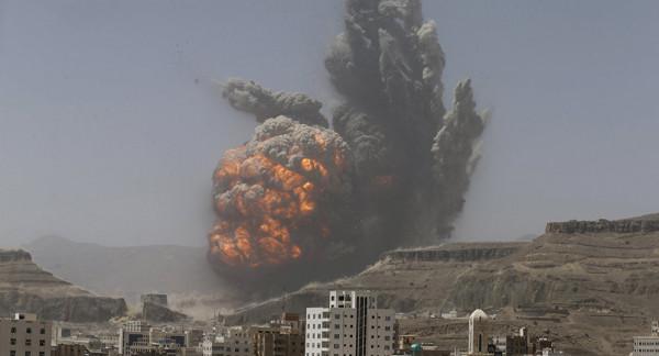التحالف العربي يُنفذ سلسلة غارات جوية على صنعاء