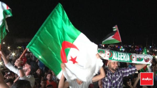 شاهد: كيف احتفل الفلسطينيون في قطاع غزة بفوز المنتخب الجزائري