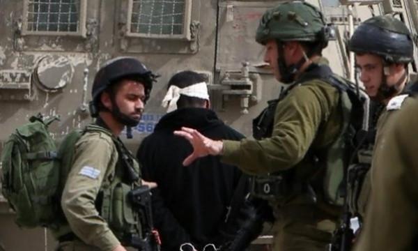 قوات الاحتلال تعتقل أربعة مواطنين بالضفة الغربية