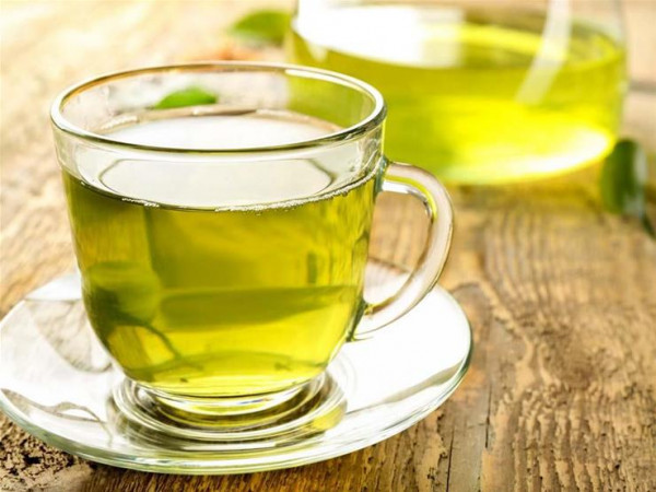 قبل أم بعد وجبة الإفطار؟ 9 مشروبات صباحية تساعد على فقدان الوزن