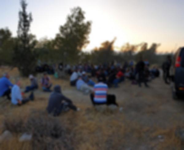 الاحتلال يعتقل أكثر من 100 فلسطيني جنوب الخليل بزعم التسلل إلى إسرائيل