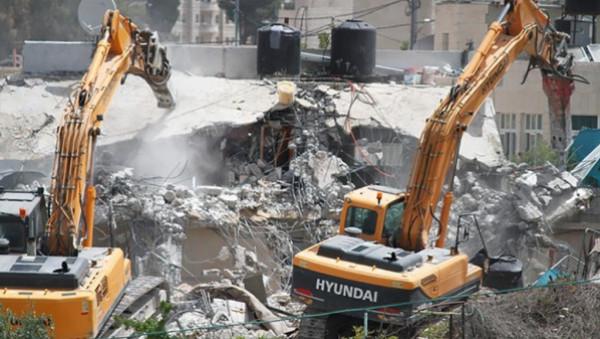 الشعبية: هدم الاحتلال مربعات سكنية كاملة بالقدس جريمة حرب وتطهير عرقي