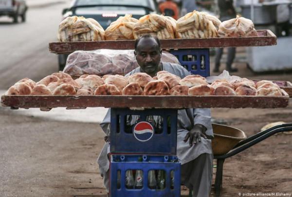 تحذيرات من انهيار الاقتصاد السوداني