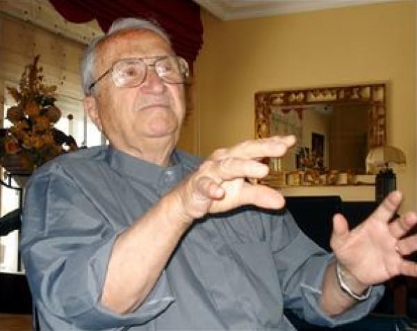 وفاة رئيس بلدية نابلس الأسبق بسام الشكعة