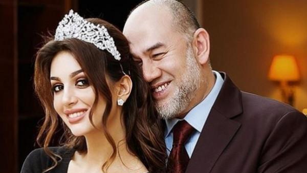 بعد تنازله عن العرش.. ملك ماليزيا السابق يشكك بنسب ابنه من ملكة جمال روسيا