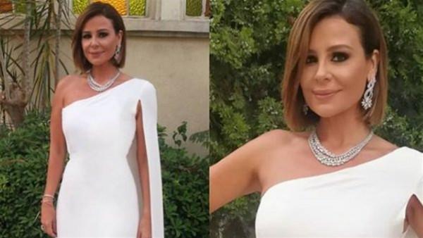 فستان ساحر ومجوهرات فخمة.. كارول سماحة تبهر متابعيها بإطلالة أنيقة