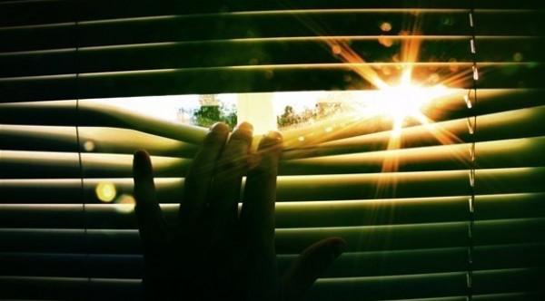 3 وسائل تحمي منزلك من أشعة الشمس الحارّة
