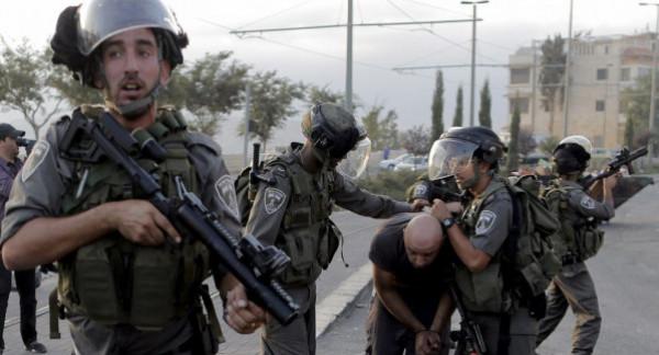 قوات الاحتلال تعتقل 23 مواطناً بالضفة الغربية