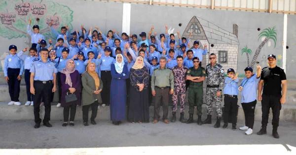 سلفيت: لجنة العلاقات العامة في المؤسسة الامنية تزور مخيم الشرطي الصغير