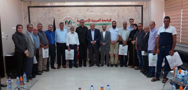 وفد من اللجنة القطرية لأولياء أمور الطلاب بالداخل يزور الجامعة العربية الأمريكية