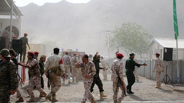 مقتل العشرات بهجوم على عرض عسكري بعدن.. وجماعة الحوثي تتبنى العملية